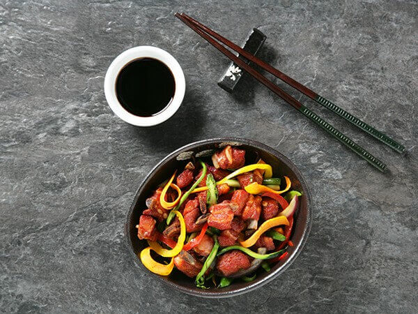 Receta de wok de churrasquitos con verduras